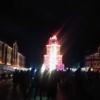 大晦日の横浜赤レンガ倉庫、SASUKEのファイナルステージが輝く